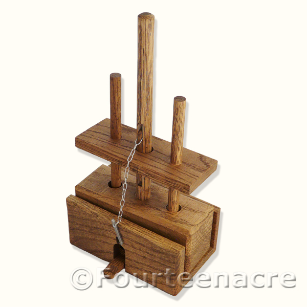 Reproduction English Oak Deadfall Mouse Trap